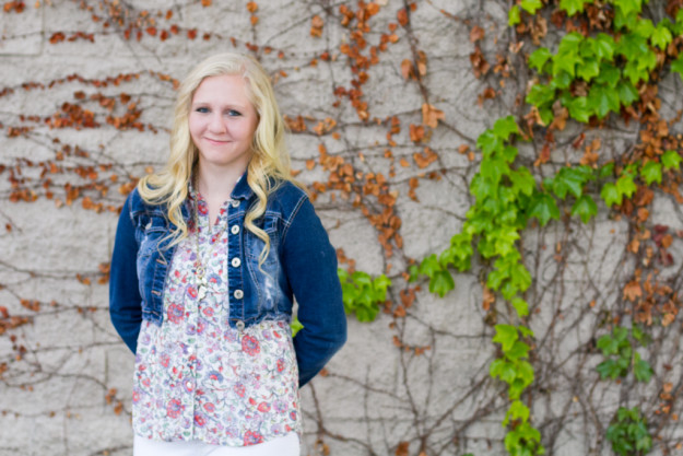 Elsa Jensen, Elsa, Jensen, Elsa Creates, Elsa, Evie, Senior Pictures, Girl, Bountiful, Utah, Bountiful high school, cheer, cheerleading, cheerleader, senior portraits, senior, portraits, utah photographer, utah senior pictures, utah senior picture photography, frozen, olaf,