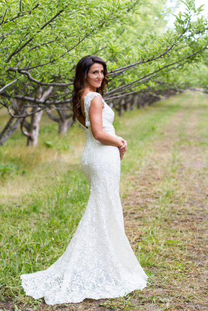 elsa jensen, elsa creates, elsa, jensen,  bridals, utah, utah bridals, utah wedding photographer, wedding, provo castle, provo, megan, utah weddings, wedding photographer, videographer, creative, green, lush, sky, orchards, bouquet, wedding, frozen,