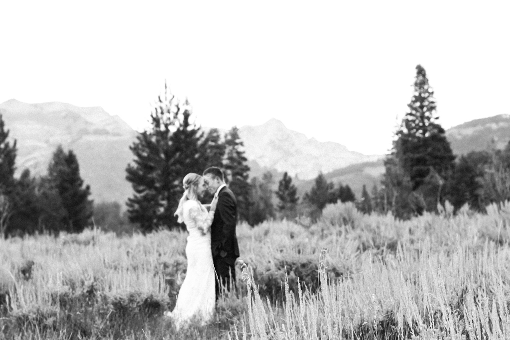 elsa creates, elsa, creates, elsa jensen, elsa, jensen, utah wedding photographer, utah, wedding, photographer, photographer, utah wedding, marriage, couple, bridals, love, utah bridals, bridal photos, first look, tibble fork, jessie, cole, tibble fork bridals,